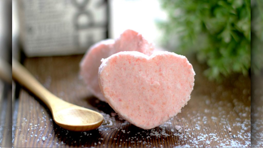 In-home spa treatment for valentine day surprise