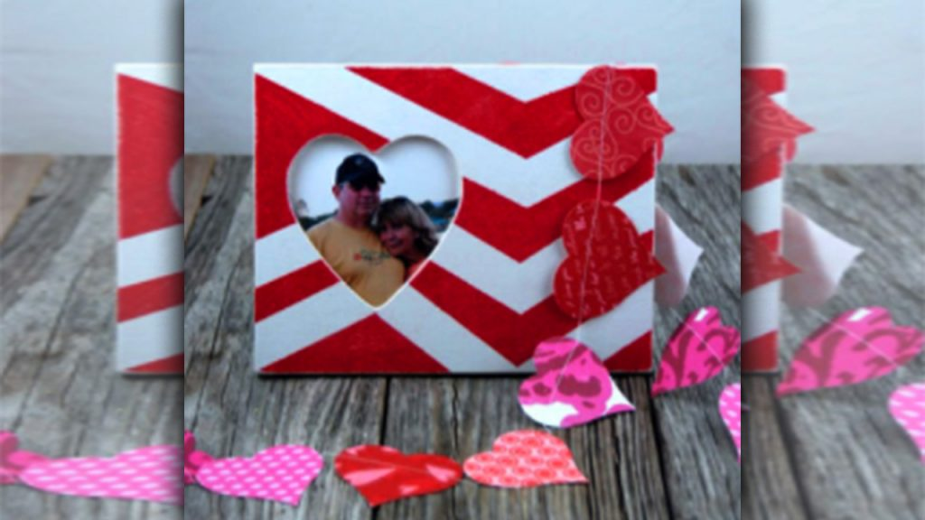 valentine day homemade gift ideas A Personalized photo frame