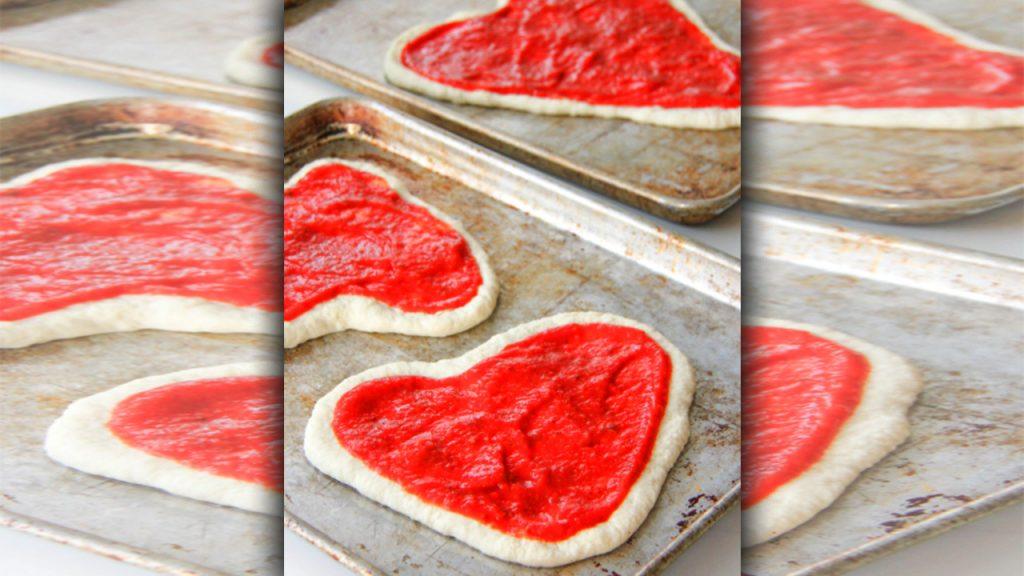 valentine day pizza with masla
