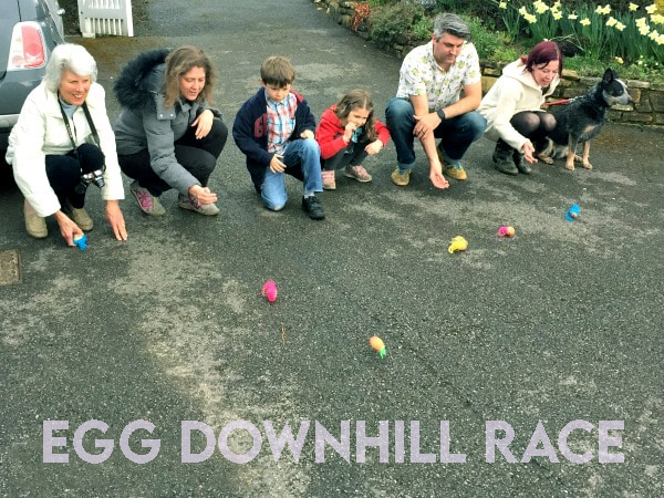 Easter friday Egg Downhill Race game