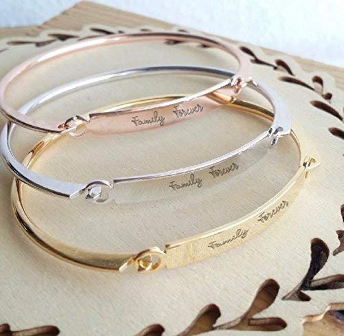 Custom handwritten bar bracelet gift for mom on mothers day 2021